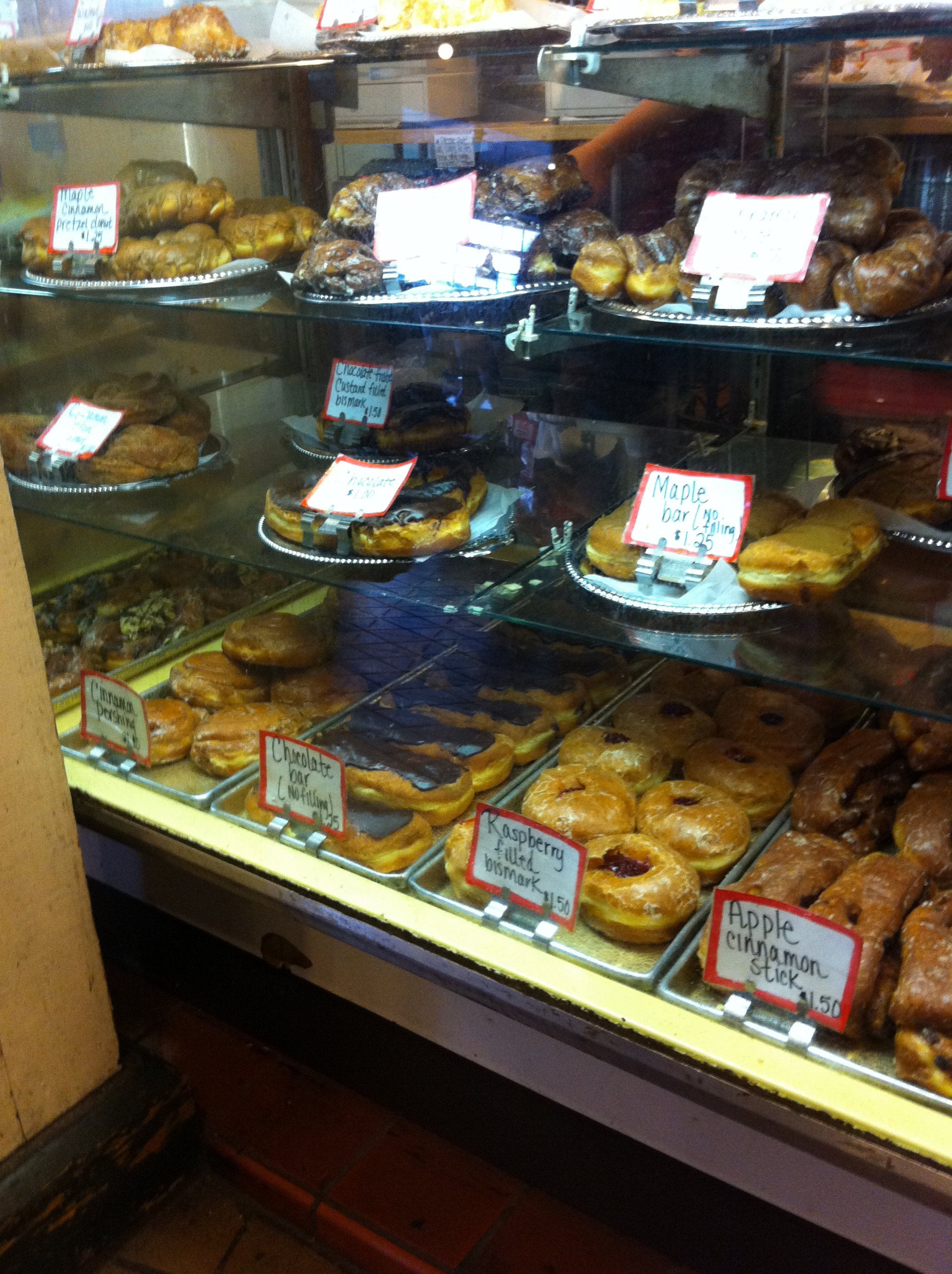 A picture of the bakery case in Pike Place Market, Seattle